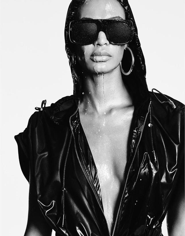 Dàn mỹ nhân chân dài Victoria's Secret đẹp xuất sắc trên Vogue Nhật ảnh 9