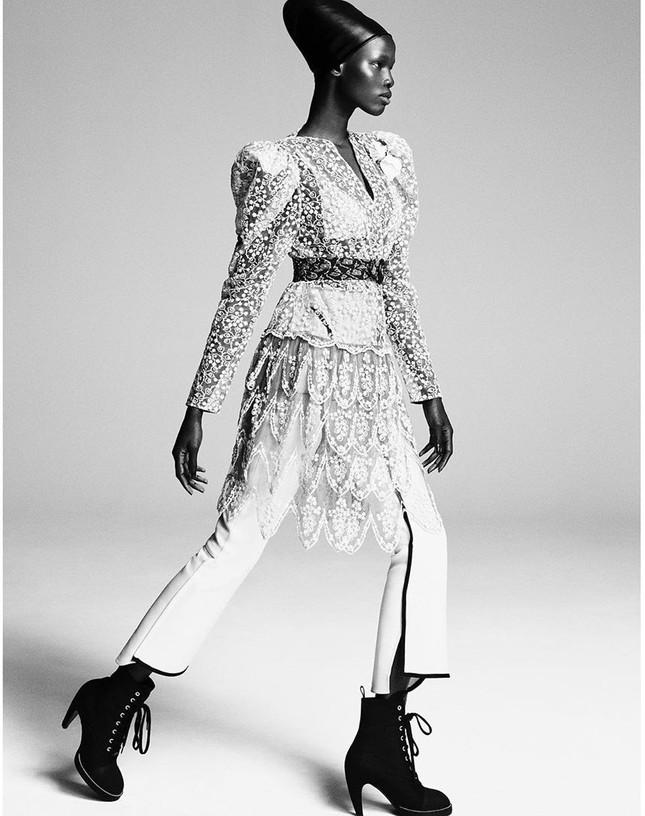Dàn mỹ nhân chân dài Victoria's Secret đẹp xuất sắc trên Vogue Nhật ảnh 24