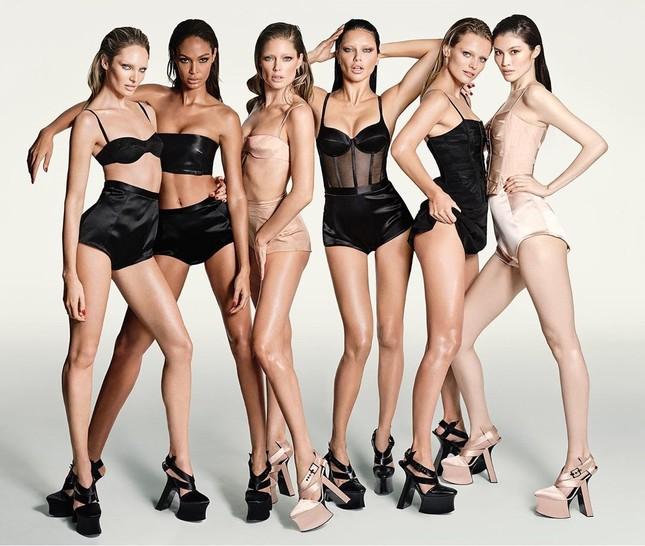 Dàn mỹ nhân chân dài Victoria's Secret đẹp xuất sắc trên Vogue Nhật ảnh 1