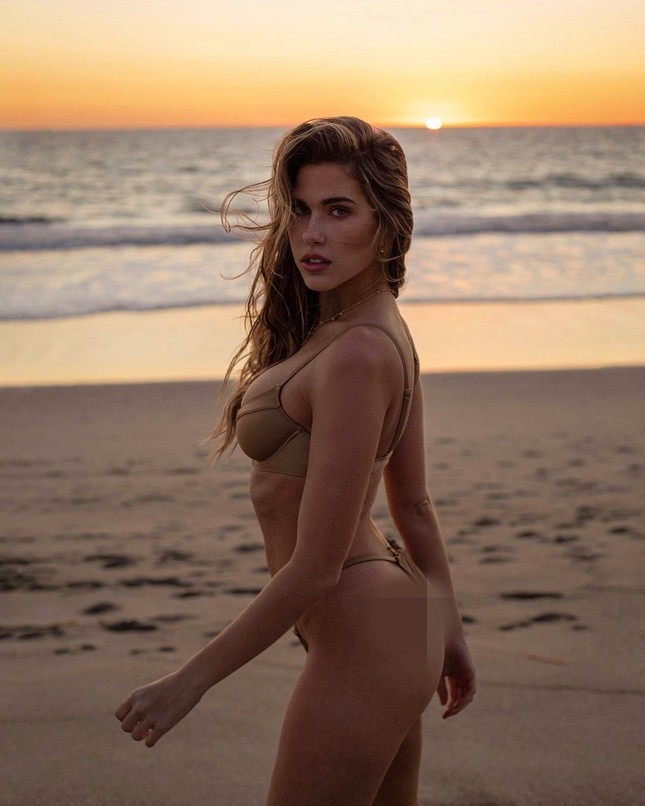 Ngất ngây dáng vóc bikini nóng bỏng của người đẹp Kara del Toro ảnh 3