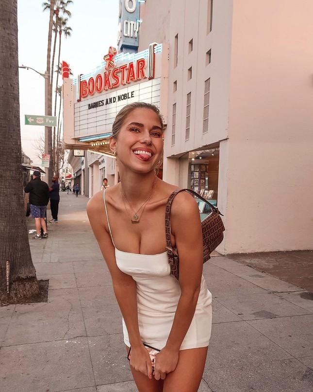 Ngất ngây dáng vóc bikini nóng bỏng của người đẹp Kara del Toro ảnh 7
