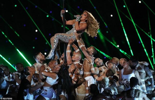 Jennifer Lopez 50 tuổi múa cột mặc bốc lửa nhảy sung ở Miami ảnh 6