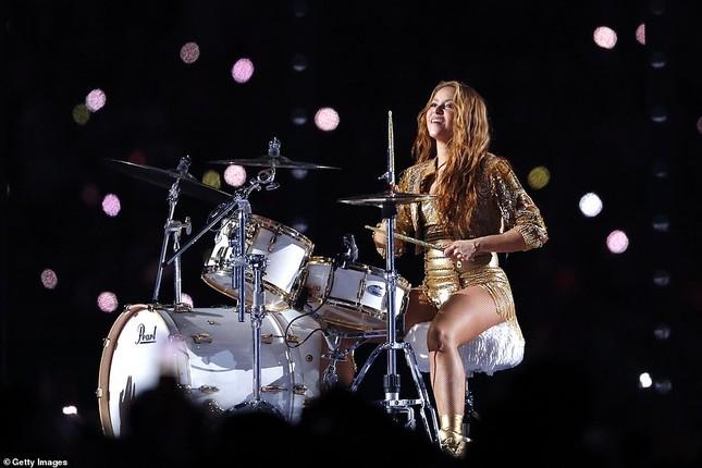 Jennifer Lopez 50 tuổi múa cột mặc bốc lửa nhảy sung ở Miami ảnh 14