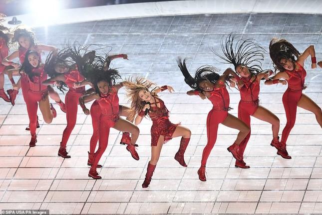 Jennifer Lopez 50 tuổi múa cột mặc bốc lửa nhảy sung ở Miami ảnh 12