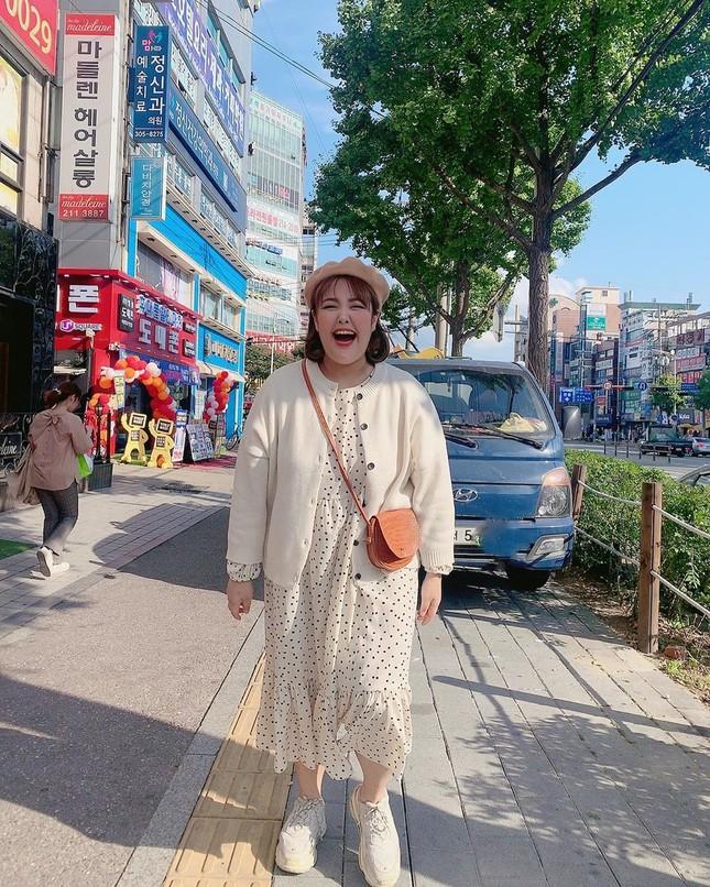 'Thánh ăn Hàn Quốc' dạo chơi Hà Nội, được nhắc đeo khẩu trang phòng corona ảnh 12