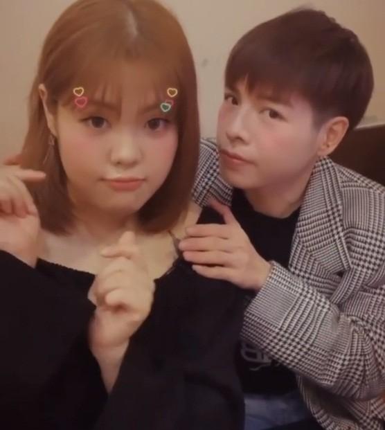 'Thánh ăn Hàn Quốc' dạo chơi Hà Nội, được nhắc đeo khẩu trang phòng corona ảnh 4