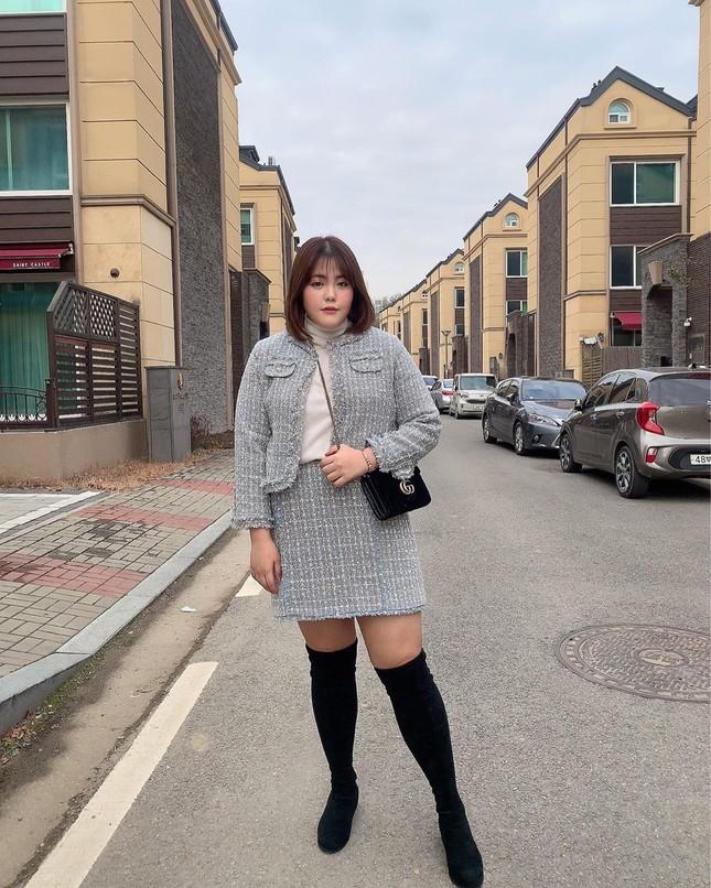 'Thánh ăn Hàn Quốc' dạo chơi Hà Nội, được nhắc đeo khẩu trang phòng corona ảnh 10