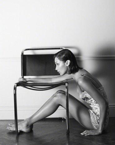 Bella Hadid nóng bỏng với sắc vóc cuốn hút mê hoặc ảnh 7