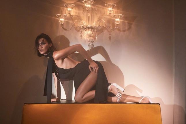 Bella Hadid nóng bỏng với sắc vóc cuốn hút mê hoặc ảnh 3