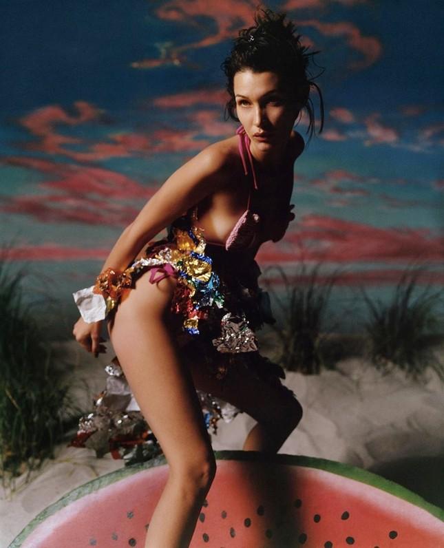 Bella Hadid nóng bỏng với sắc vóc cuốn hút mê hoặc ảnh 10