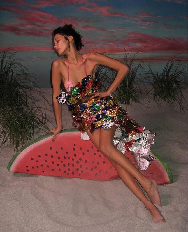 Bella Hadid nóng bỏng với sắc vóc cuốn hút mê hoặc ảnh 11