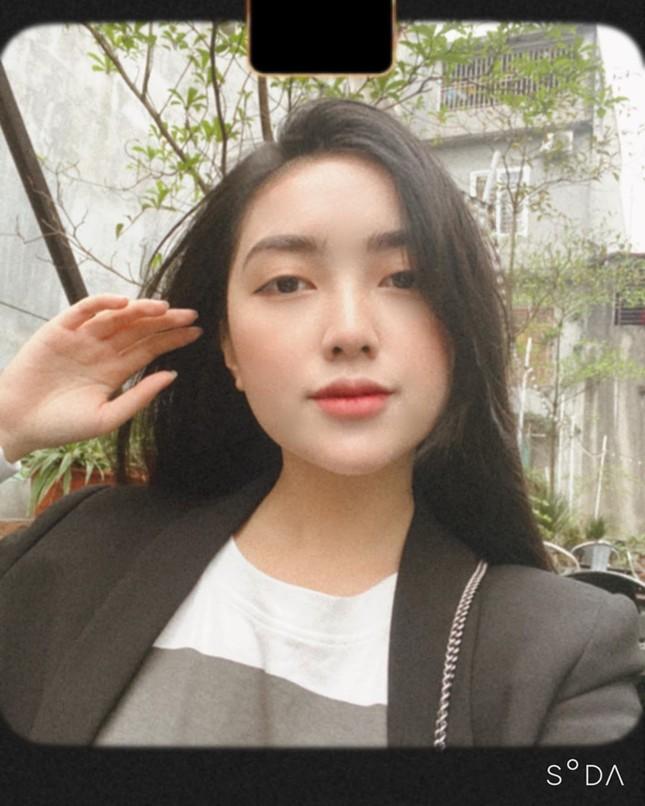 Vợ chồng Duy Mạnh, bạn gái Đức Chinh, Hòa Minzy háo hức đón Valentine ảnh 4