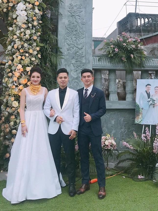 'Cô dâu 200 cây vàng' ở Nam Định sinh con đầu lòng ảnh 2