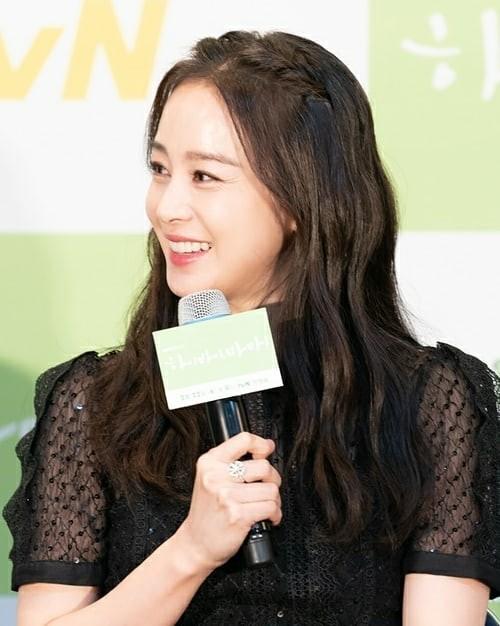 Kim Tae Hee xinh đẹp rạng ngời tựa nữ thần ảnh 2