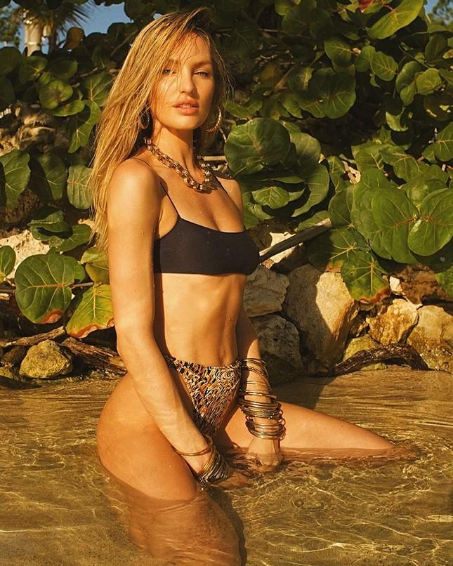 Sắc vóc và thần thái đỉnh cao của thiên thần áo tắm Candice Swanepoel ảnh 6
