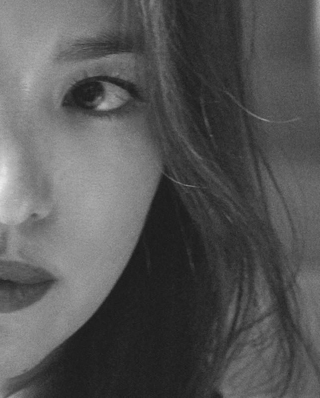 Song Hye Kyo 'tóc nâu môi trầm' sang chảnh ở Milan ảnh 9