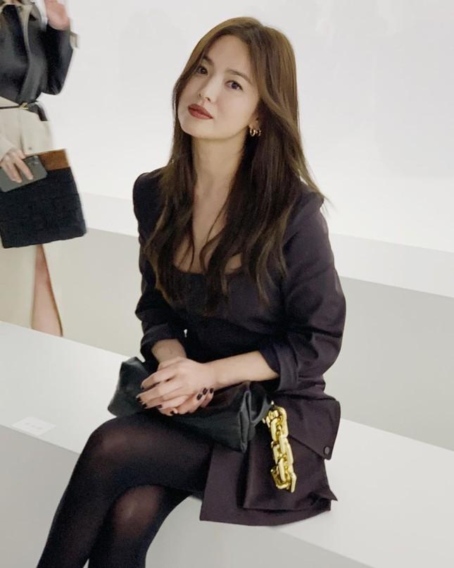 Song Hye Kyo 'tóc nâu môi trầm' sang chảnh ở Milan ảnh 4