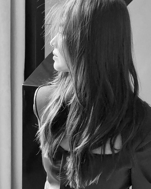 Song Hye Kyo 'tóc nâu môi trầm' sang chảnh ở Milan ảnh 6
