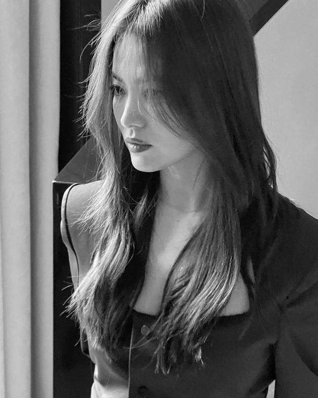 Song Hye Kyo 'tóc nâu môi trầm' sang chảnh ở Milan ảnh 7