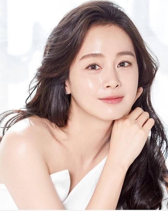 Ảnh tình tứ của vợ chồng Kim Tae Hee khiến fan 'phát sốt' ảnh 8