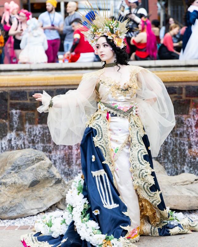 Các bóng hồng mặt xinh dáng đẹp trong lễ hội cosplay đình đám thế giới ảnh 2