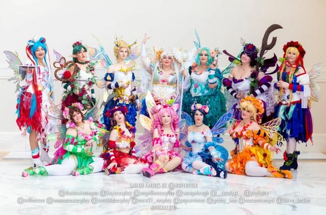 Các bóng hồng mặt xinh dáng đẹp trong lễ hội cosplay đình đám thế giới ảnh 15