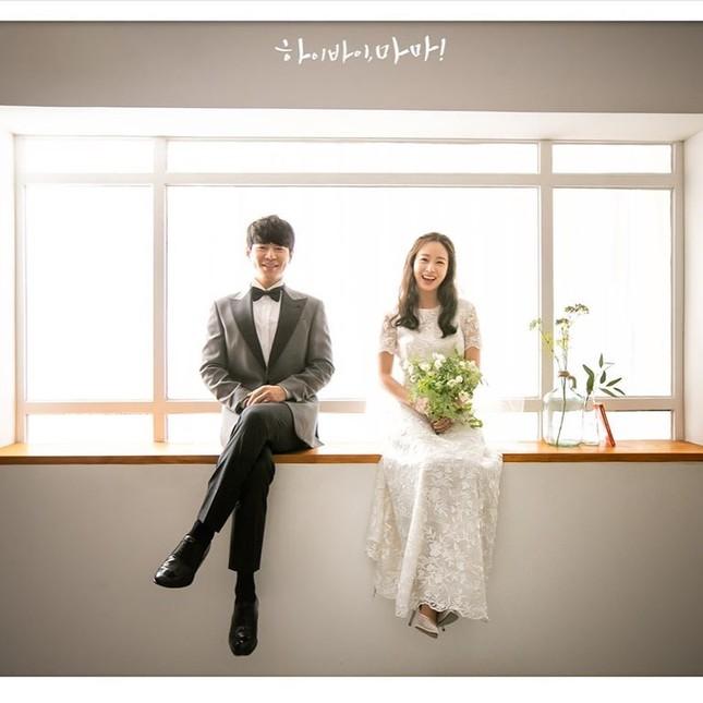 Kim Tae Hee xinh đẹp rạng ngời khi mặc váy cưới ở tuổi 40 ảnh 11