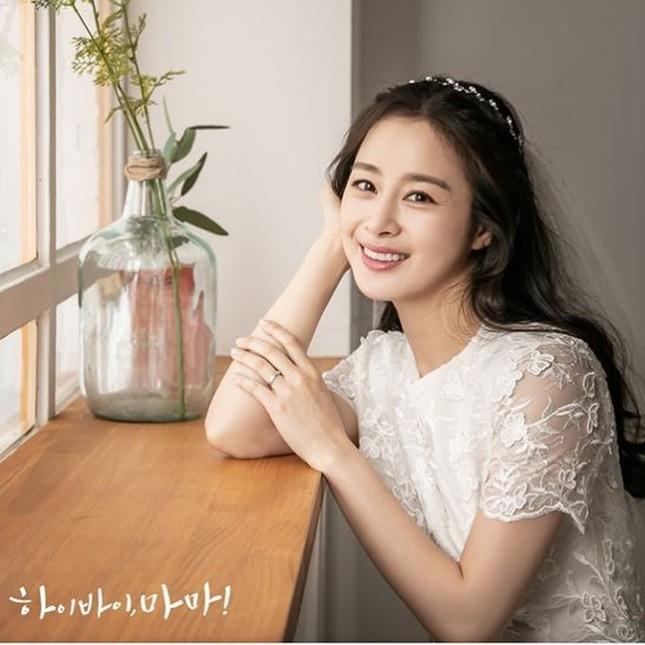 Kim Tae Hee xinh đẹp rạng ngời khi mặc váy cưới ở tuổi 40 ảnh 13