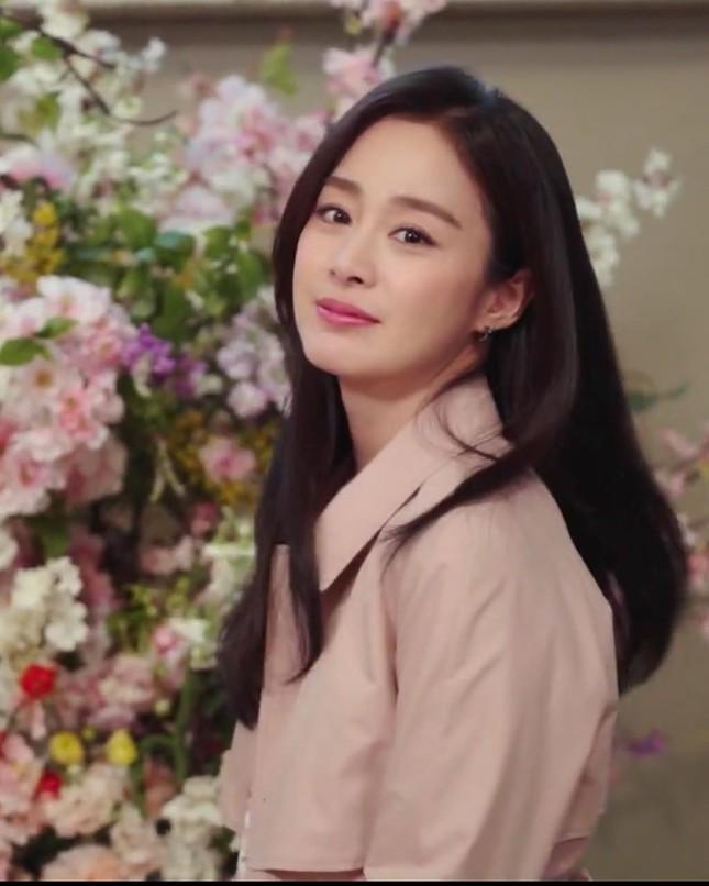 Kim Tae Hee xinh đẹp rạng ngời khi mặc váy cưới ở tuổi 40 ảnh 15