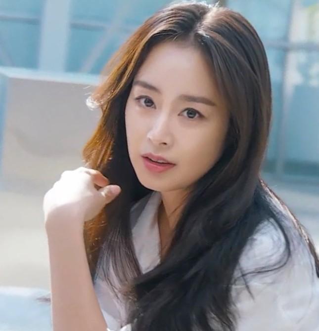 Kim Tae Hee xinh đẹp rạng ngời khi mặc váy cưới ở tuổi 40 ảnh 16