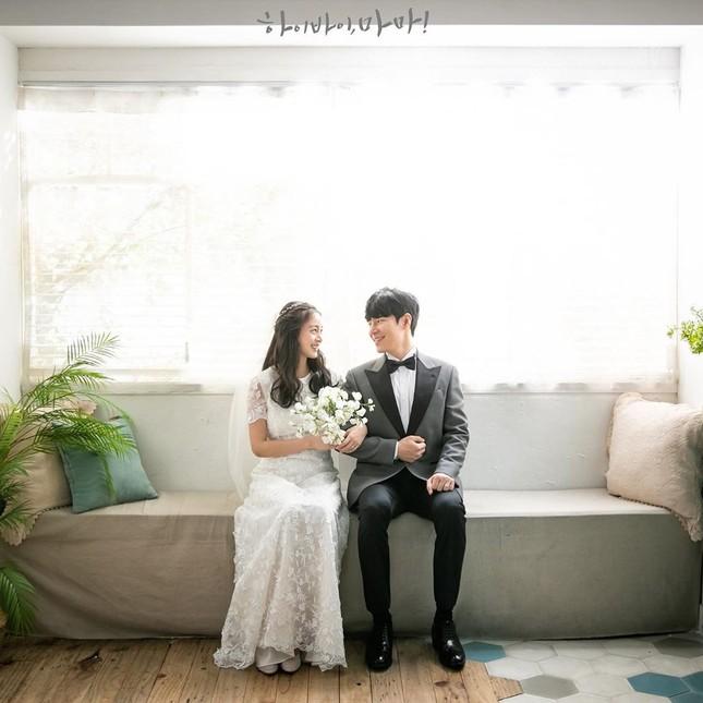 Kim Tae Hee xinh đẹp rạng ngời khi mặc váy cưới ở tuổi 40 ảnh 7