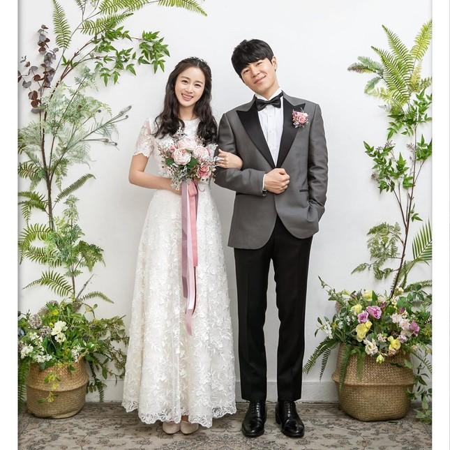 Kim Tae Hee xinh đẹp rạng ngời khi mặc váy cưới ở tuổi 40 ảnh 8