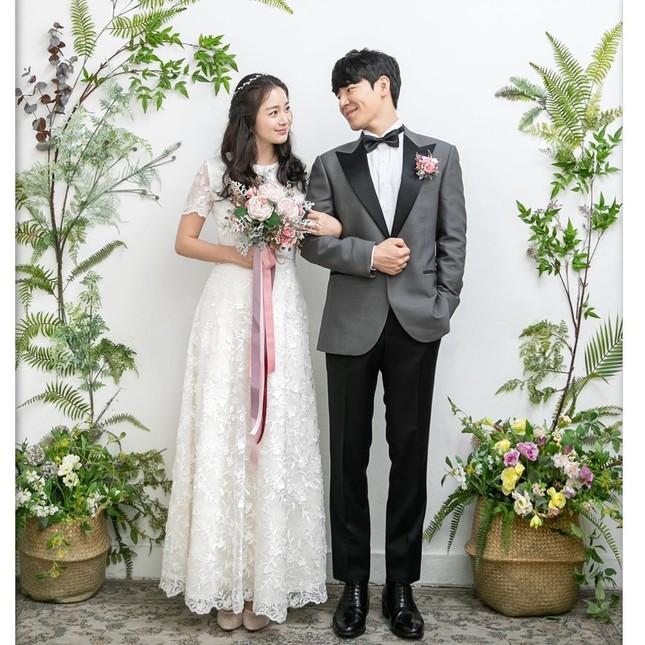 Kim Tae Hee xinh đẹp rạng ngời khi mặc váy cưới ở tuổi 40 ảnh 5