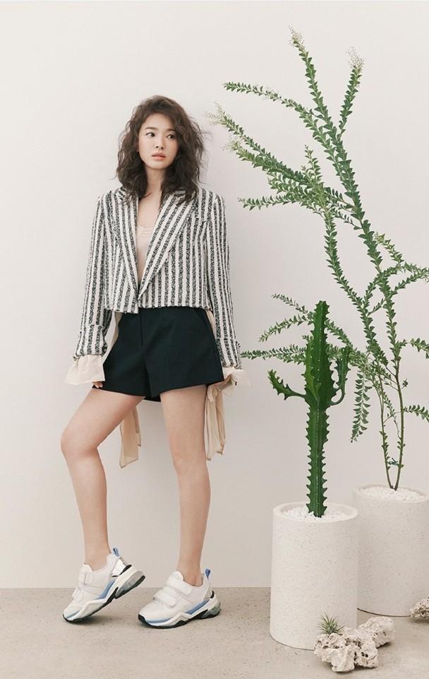 Song Hye Kyo U40 vẫn trẻ đẹp đầy quyến rũ ảnh 2