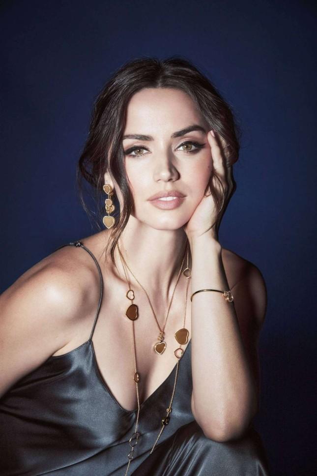 Bond girl 8x Ana de Armas quyến rũ tựa nữ thần sắc đẹp ảnh 3