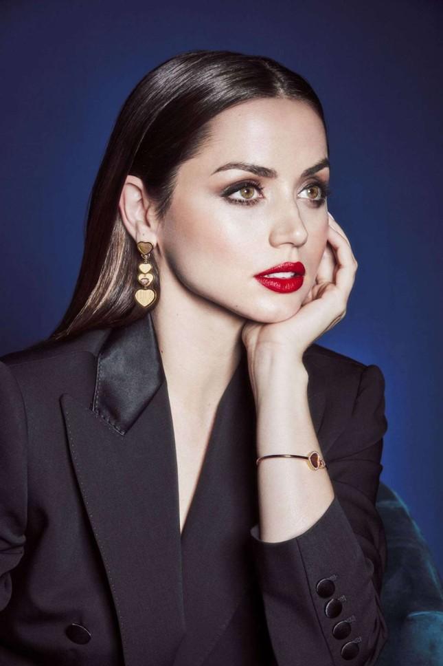 Bond girl 8x Ana de Armas quyến rũ tựa nữ thần sắc đẹp ảnh 4