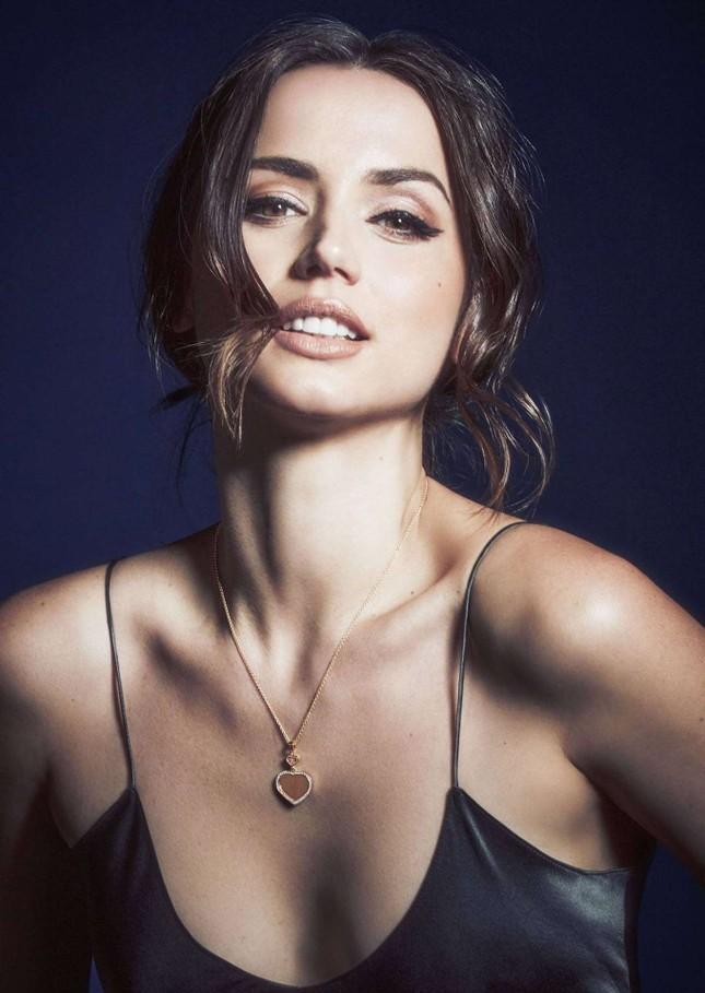 Bond girl 8x Ana de Armas quyến rũ tựa nữ thần sắc đẹp ảnh 6