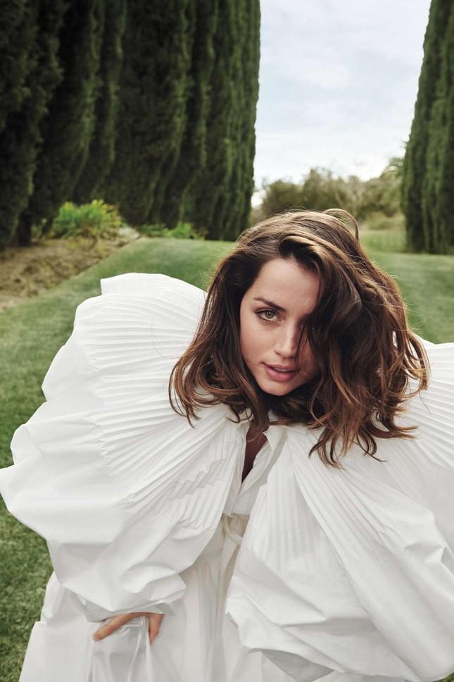 Bond girl 8x Ana de Armas quyến rũ tựa nữ thần sắc đẹp ảnh 10
