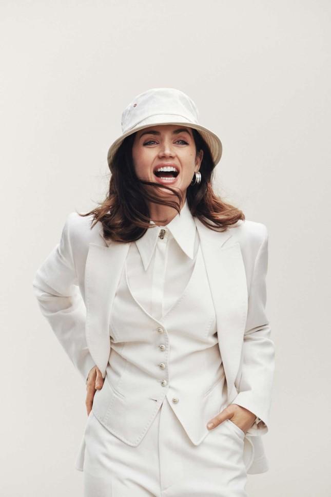 Bond girl 8x Ana de Armas quyến rũ tựa nữ thần sắc đẹp ảnh 13