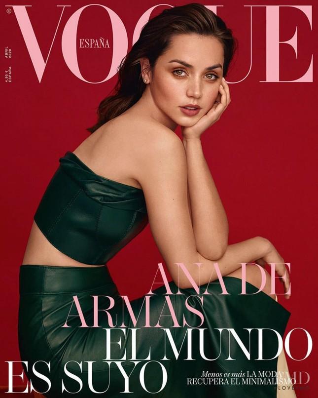 'Bond girl' mới nổi Ana de Armas gợi cảm đầy sức sống ảnh 1