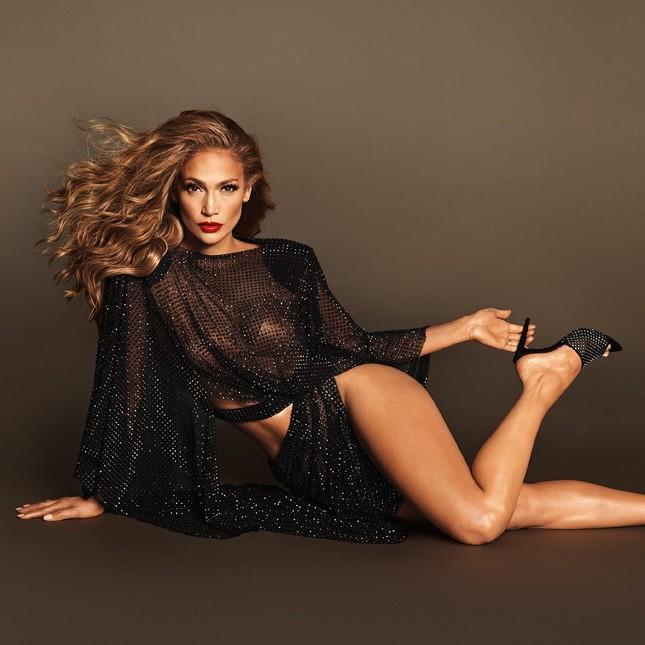 Jennifer Lopez quyến rũ 'nảy lửa' ở tuổi 50 ảnh 1