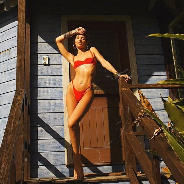 Candice Swanepoel diện bikini siêu quyến rũ hút hồn phái mạnh ảnh 6