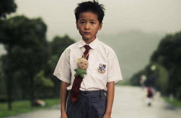 Người đẹp phim Châu Tinh Trì được lắp màn hình theo dõi khi cách ly ảnh 5
