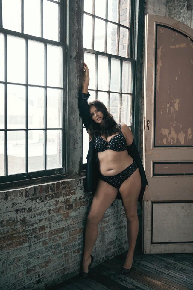 Victoria's Secret tung ảnh nội y với người mẫu ngoại cỡ và chuyển giới ảnh 11