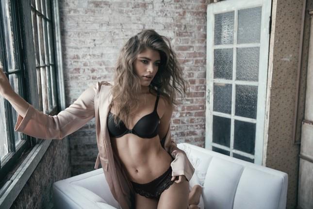 Victoria's Secret tung ảnh nội y với người mẫu ngoại cỡ và chuyển giới ảnh 8
