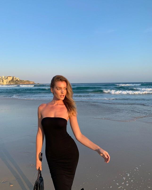 Siêu mẫu Úc Georgia Gibbs trẻ đẹp đầy sức sống thanh xuân ảnh 8