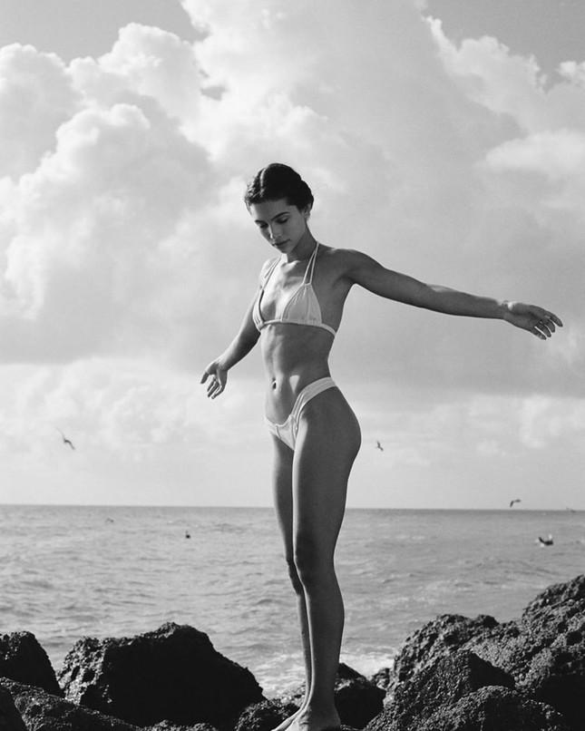 'Chân dài' Kaylin Baer nóng rực sắc vóc đôi mươi ảnh 6