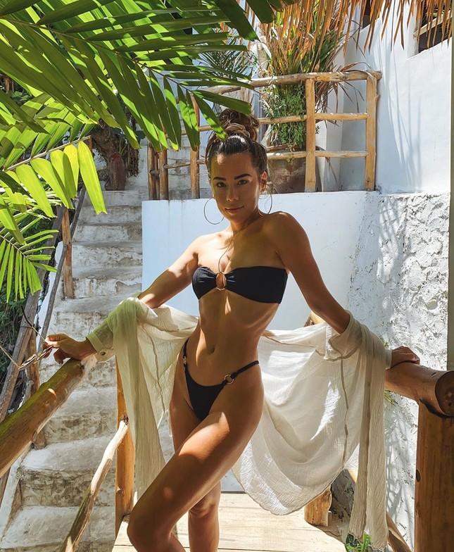 Mỹ nhân áo tắm thả dáng nóng bỏng ở đảo thiên đường Bali ảnh 8