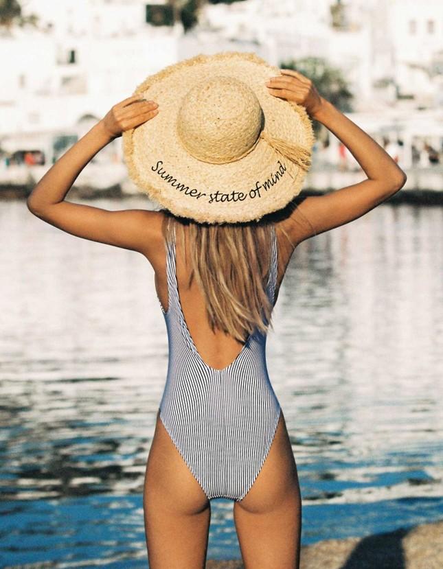 Mỹ nhân tóc vàng Frida Aasen diện bikini nóng bỏng đón hè ảnh 14
