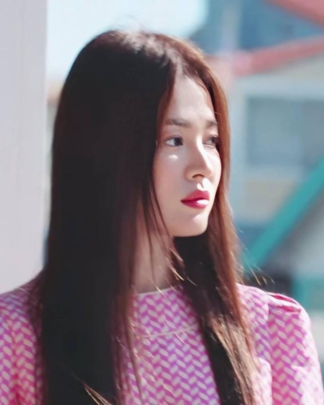 Song Hye Kyo trẻ đẹp tươi tắn ở tuổi 38 khiến các fan trầm trồ ảnh 9